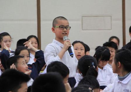 著名建筑设计师冯果川先生应邀来百仕达小学作讲座